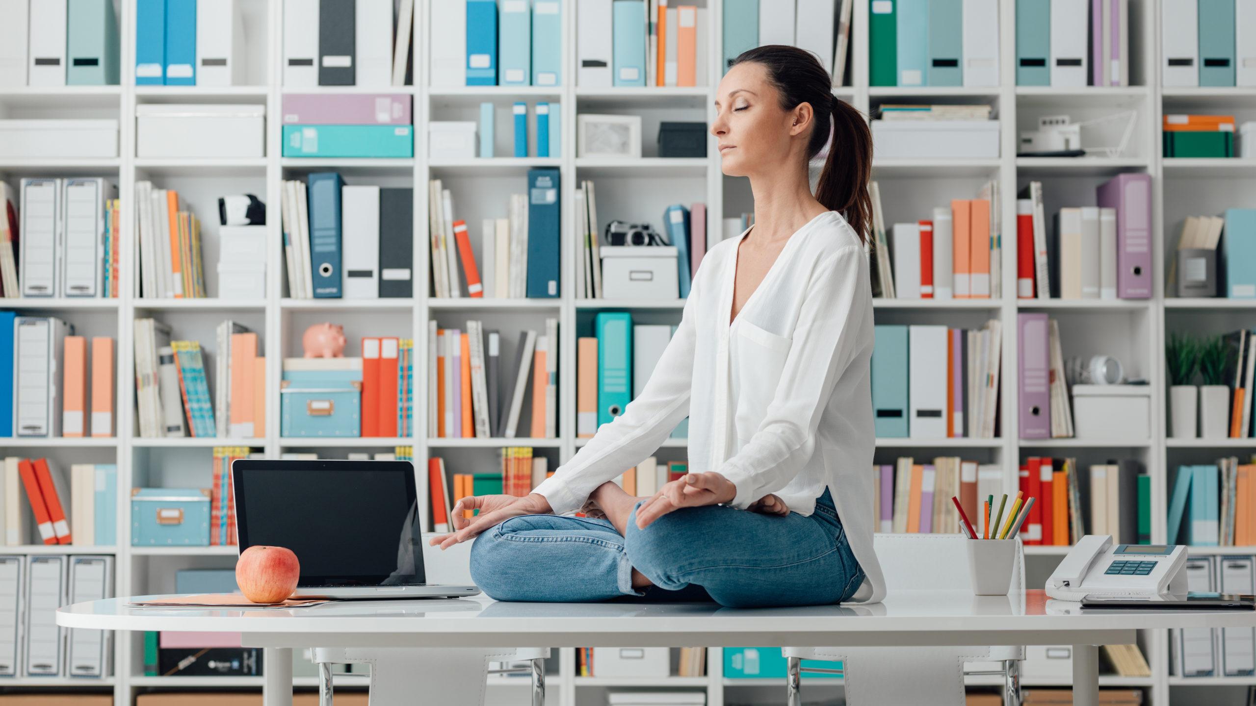 Медитация, стресс, бессонница, тревога, панические атаки, способы медитации для начинающих